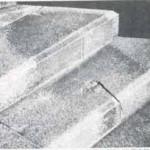 A sombra impressa pelo clarão da explosão. Uma pessoa estava sentada nesses degraus. Desintegrada instantaneamente, apenas a sombra dela restou. Foto: Hiroshima Peace Memorial Museum
