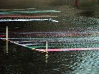 Seda pintada em processo de eliminação da cola. Foto de Chris Gladis. As demais fotos são do  site iHokuriku www.ihoku.jp