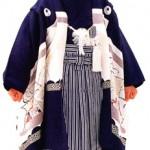 Menino com o kimono comemorativo de 5 anos (Sekaibunkasha)